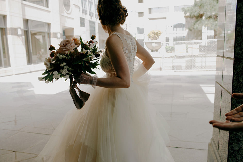 bride in downtown toronto