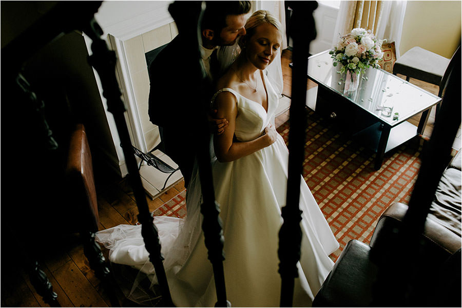 hockley valley resort wedding bride and groom