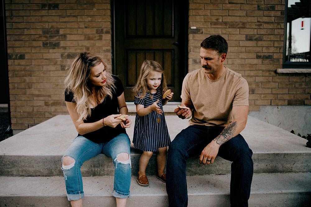 sudbury family portrait family shares cookies