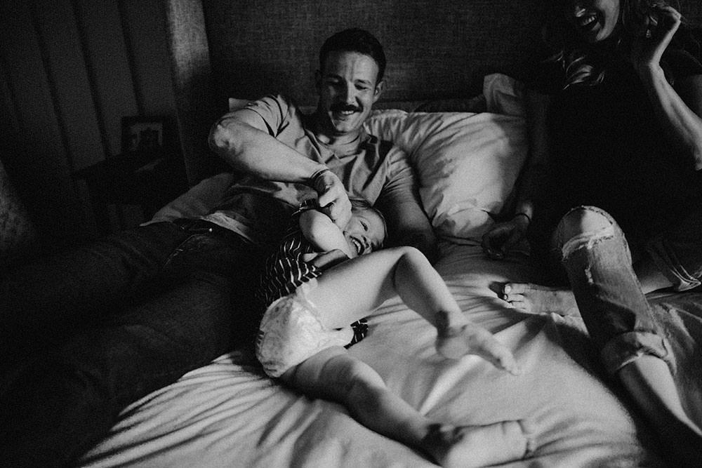 sudbury family portrait dad tickles daughter