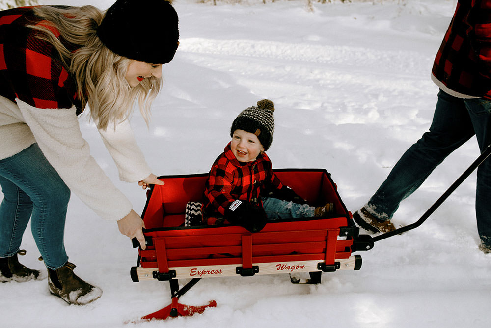 sudbury winter family portrait garson