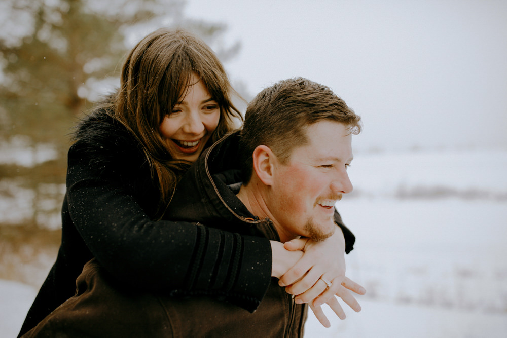innisfil_engagement photography on a wintery trail