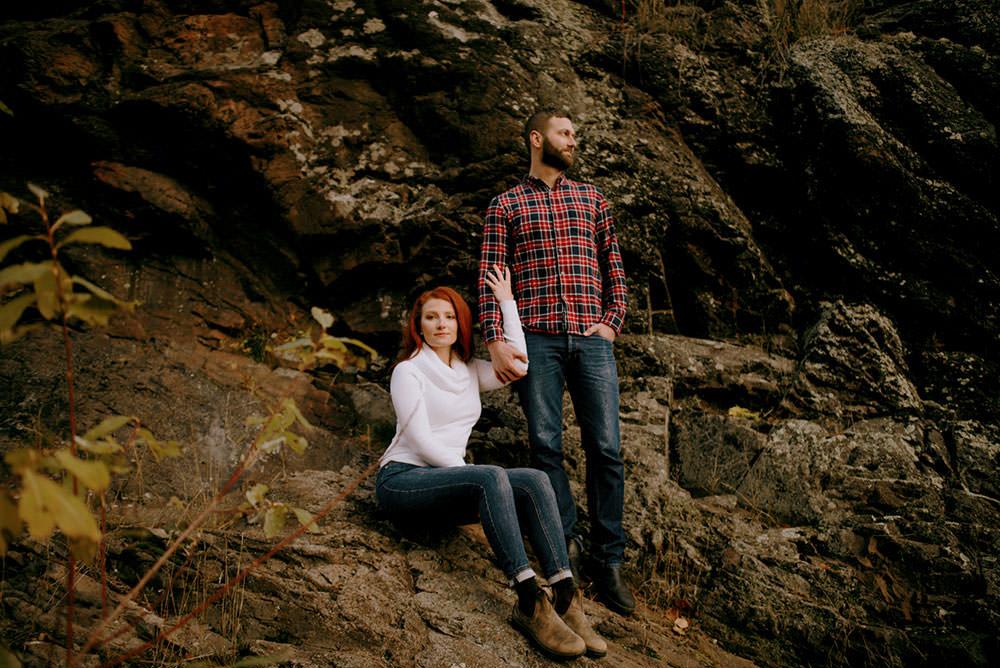 Fairbanks Ontario engagement photography of couple posing on rocks